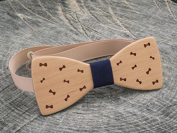 Деревянная галстук-бабочка Бабочки