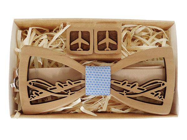 дерревянная галстук-бабочка и запонки самолет