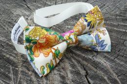 галстук бабочка с цветочным принтом