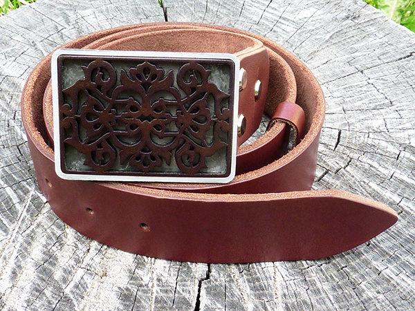 коричневый кожаный ремень